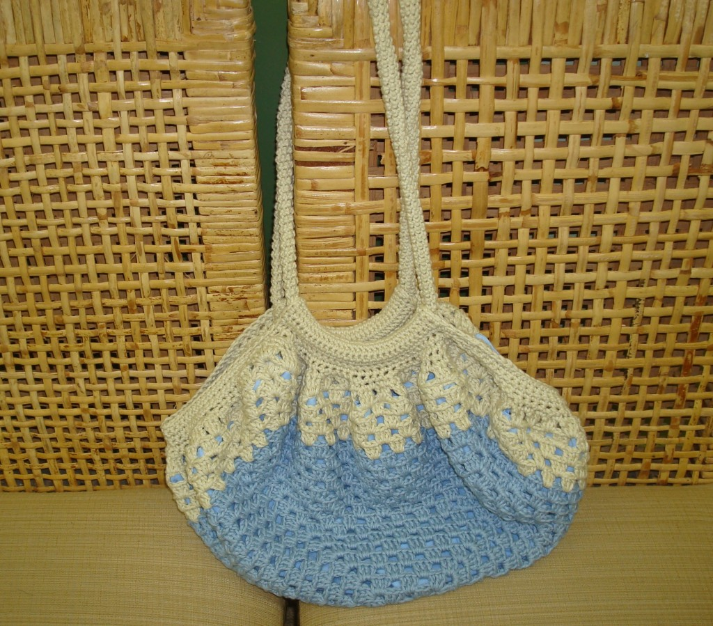 This granny square bag is made with worsted-weight cotton.