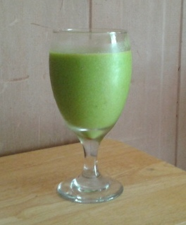 Whatever-You-Have-On-Hand Green Smoothie